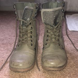 Guess studded combat boot